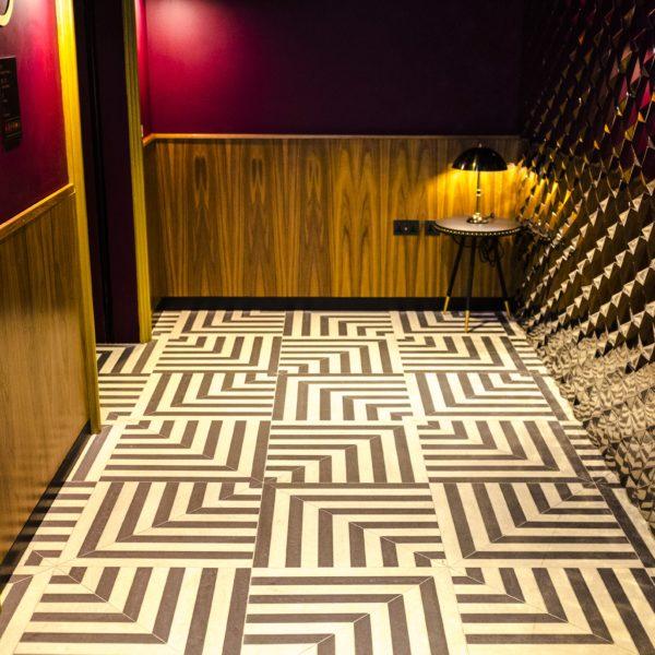 Hotel Indigo London_ Hallway2